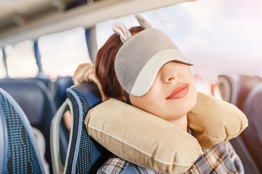 Poduszka podróżna – wybieramy najlepszą poduszkę do samolotu – ranking 2019