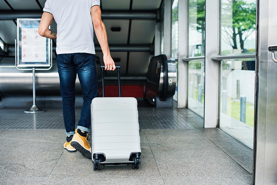 Walizka podróżna – wymiary, waga, rodzaje. Najlepsze walizki w rankingu 2020